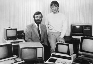 Bill Gates y Paul Allen se toman la misma foto despues de 32 años