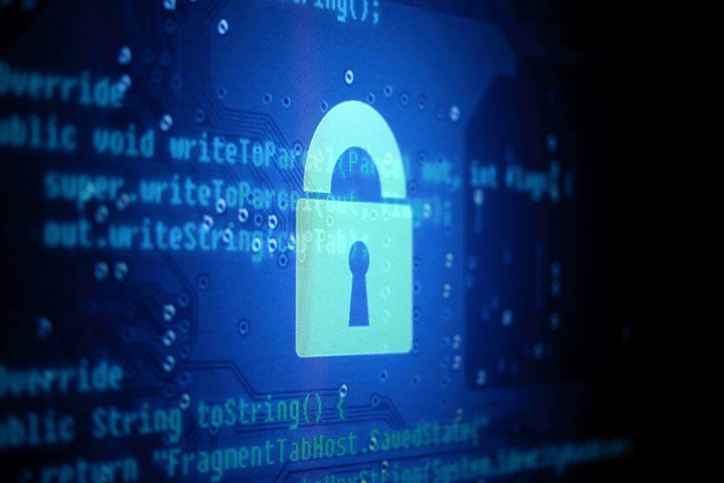 Rafael-Núñez-Aponte-El-futuro-y-la-necesidad-de-la-seguridad-en-la-informática