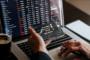 Investigadores hallan manera de detectar incrementos y caídas en el mercado de altcoins